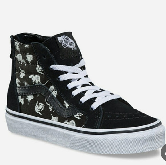 15eea893bad Vans glow in the dark dinosaur fossils youth. M 5b70d2fbc9bf50bea0943997